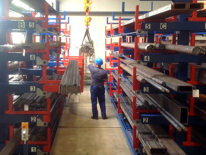Roll out cantilever rack automated